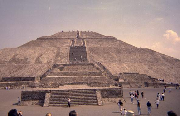 chris-pyramid-1.jpg